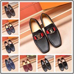 bequeme glitzerschuhe Rabatt Top Luxusmarke Designer Männer Glitter Bequeme Medusa Schuhe Formale Kleid Schuhe für Bräutigam Homecoming Hochzeit schuhe