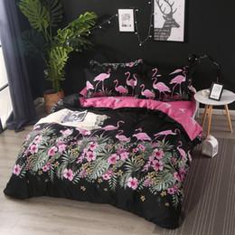 d06db4a207 Conjuntos de Cama de Flamingo Floral preto Rainha do Rei Tamanho King 3 4  Pcs Meninas Meninos Crianças Roupa de Cama folha de Capa de Edredão Lençóis  Planas ...