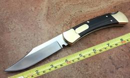 Maniglie in ottone online-Classico coltello pieghevole in ottone 110 doppio coltello automatico per campeggio lama tascabile con manico in legno di sandalo nero con guaina colorata