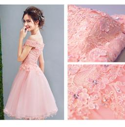 2019 dentelle nue sur blanc Robes de bal courtes robes de bal rose robes de soirée robes de soirée de bal à lacets robes de demoiselle d'honneur robe hors de l'épaule robe de fête 230