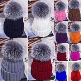 2018 New Fashion Mulheres Inverno Beanies Grande Bola Das Mulheres Chapéu  de Inverno Fox 15 cm De Pele Pom Pom Gorro De Malha De Esqui Cap 34f74983499