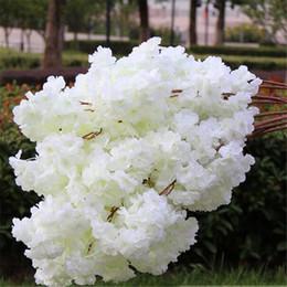 matrimonio di fiori di sakura Sconti 20p artificiale Cherry Blossom Branch falso fiore Sakura stelo più teste di fiori 12 colori per la decorazione di nozze albero Sakura