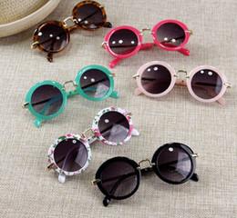 Wholesale Glasses Accessories For Kids - Sunglasses for Kids Round Vintage Sun Glasses Boys Girls Designer Adumbral Fashion Children Summer Beach Sunblock Accessories