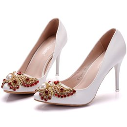 Wholesale Women Elegant Office - 2018 New Fashionl White Rhinestone Flowers pointed toe shoes for women 9cm heels Elegant wedding shoes thick heel shoes Plus Size