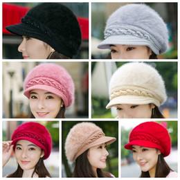 Lady Fashion Beanies boina de punto de piel de conejo en el interior de hilo  de lana engrosada cálido otoño invierno mujer Solid Party sombreros GGA1291 d27033d238c