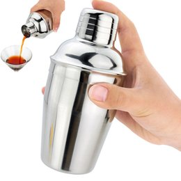 Wholesale Tea Shaker - 550ml Stainless Steel Cocktail Shaker Bartending tea tools Cocktail Cup Mix Wine Martini Drinking Shaker For Party Bar Tool