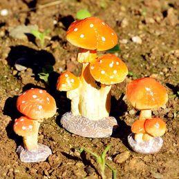 funghi artificiali Sconti Nuovo sveglio di alta qualità artificiale mini fungo miniature giardino muschio terrario resina artigianato decorazioni per la casa