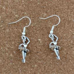 2019 encantos de ballet de plata Las muchachas del ballet encantan los pendientes de plata del gancho de oído de los pescados 24pairs / lot joyería de plata antigua de la lámpara 9.5x43.8mm A-348e encantos de ballet de plata baratos