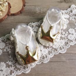 Milch schuhe online-handgefertigte häkeln kleinkinder des babymädchens schöne krone kleine prinzessin milch baumwolle weiche schuhe kreativ bebe geschenk