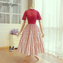 vestidos vermelhos de jantar curto Desconto Laço vermelho Top Pescoço Alta Mãe da Noiva Vestidos de Manga Curta vestido de Baile Padrão Elegante Senhoras Vestido de Festa Mulheres Jantar Vestidos de Noite