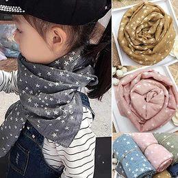 2019 estola Bluelans Girl's Kids Estrella Pentagrama Cálido Regalo de Otoño Invierno Regalo Estola Bufanda Suave estola baratos