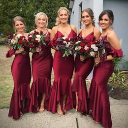 Robes de demoiselles d'honneur en vin satin rouge en Ligne-Date Sexy Halter Vin Rouge Longue Demoiselle D'honneur Dresse V-cou Sirène D'honneur Brides Robes De Soirée