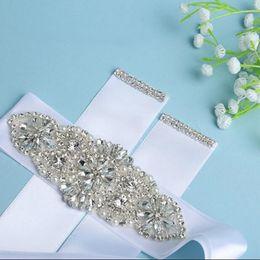 Nueva Faja de novia con encanto con cristales Perlas Faja de la boda Cinturón Accesorios hechos a mano Vestidos de dama de honor por encargo Fajas preciosas desde fabricantes