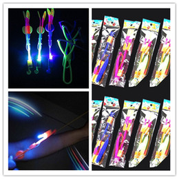 giocattolo a sling volante Sconti Nolelty lighting LED Flash Flash Flying Elastic Powered Arrow Sling Spara fino elicottero elicottero giocattolo per bambini