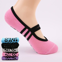 bio-box großhandel Rabatt Frauen Anti Slip Bandage Baumwolle Sport Yoga Socken Damen Belüftung Pilates Ballett Socken Dance Sock Pantoffeln 6 Farben