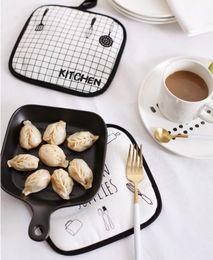 Bambus tisch tücher online-19x19cm Cartoon Gedruckte Tischsets Esstische Untersetzer - Stoffisolierung Kaffee Tee Tasse Pad Matte - Kitchen Home Table Decor