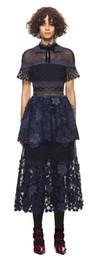 2018 новое прибытие мода высокая шея 3d цветы темно-синий с коротким рукавом кружева макси лоскутное длинные вечерние платья Женская одежда платье от