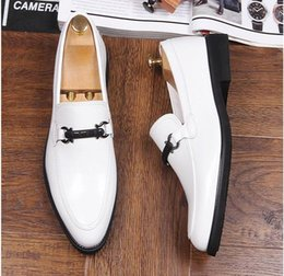 Wholesale Day White 38 - Men Dress Shoes new Men's Pointed Toe Classic Fashion black white Red Business Oxford Shoes Comfortable Shoe Eur Size 38-44 AXX965