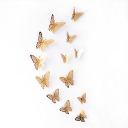 Mariposas plateadas para decoracion online-Boda del brillo etiquetas murales de arte de la pared pegatinas Nevera etiqueta de decoración de interior partido de la mariposa mariposa del oro la plata Calcomanías ahueca hacia fuera 3D