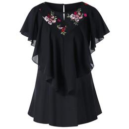 Camisa negra volante online-2018 Nuevo Diseño de Moda Mujeres Negro Cuello Redondo Corto Mariposa Manga Bordado Floral Panel de Malla Camisa de Blusa de Volante