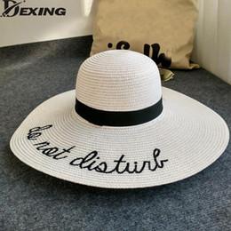Dexing  cappello da sole non disturbare lettera cappello a tesa larga  cappelli estivi per le donne anti-uv cappello di paglia floppy pieghevole  spiaggia ... 1ee1862b54b0