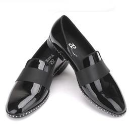 Schuhe männer kleiden europa online-leder mit schwarzer schnalle herren müßiggänger mode europa luxus party und hochzeit männer kleid schuhe herren