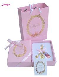 KC15 New Pink (torta rosa rossa viola) Francia Macaroon Effiel Tower Portachiavi Regali per la mamma di Natale con scatola a nastro Borsa a mano supplier red ribbons cake da torta di nastri rossi fornitori