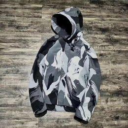 Wholesale Canada Outwear - Canada Camouflage Coats Women Men Pizex Jacket Fashion Outwear Four Color HFLSJK077