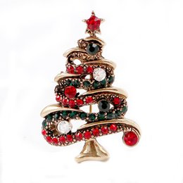 Wholesale crystal christmas tree brooch - Wholesale Exquisite 3 Colors Christmas tree Rhinestone Brooches Badge Metal Enamel Pin Women Luxury Jewelry Party Decoration