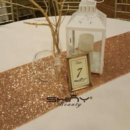 Wedding table decorations on-line-12inx72in Rose Gold Table Runner. 30x180 cm De Casamento De Mesa De Lantejoulas, Partido Evento Fotografia Toalhas De Mesa De Linho Decoração De Aniversário