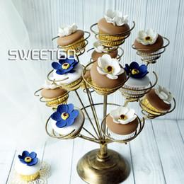 gâteaux de mariage en or blanc et noir Promotion Cupcake stand porte-rouleau pour la noce bouquet forme blanc / rose / noir or gâteau affichage outils table décoration