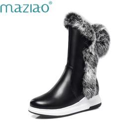 Botas de inverno brancas de pelúcia on-line-MAZIAO Animal Fur Mulheres Botas de Neve Saltos Planos 2018 Novo Inverno Sapatos de Algodão Mulher Com Zíper Preto Branco Grosso De Pelúcia Dedo Do Pé Redondo