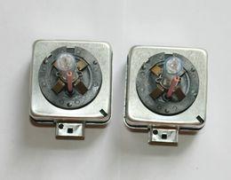 замена ламп накаливания Скидка HID D1S / D1r лампы 66140 66144 CBI ксеноновые лампы авто фар 10000 к 100% заменить фары автомобиля фары D1 35 Вт
