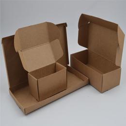 Scatole marrone naturale online-60pcs / lot 30 dimensioni marrone naturale Kraft imballaggio di carta di cartone confezione piccola scatola di cartone scatola di sapone fatto a mano