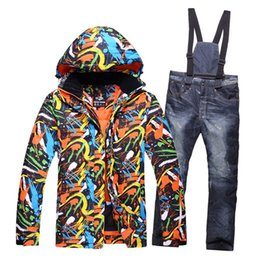 2019 pantalons en duvet pour hommes Nouvelle couleur imprimé neige ski costume hommes ensembles coupe-vent respirant épaissir vers le bas vestes pour hommes neige ski veste + pantalons vêtements chauds pantalons en duvet pour hommes pas cher