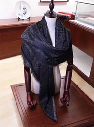 Nueva Square Bufanda de lujo Luxury Women Brand Designer Seda Embroidrey Pashmina High Quality Men Women Bufandas de moda Wraps con caja al por menor desde fabricantes