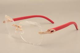 papillons encadrés pas cher Promotion 2019 nouvelle mode haut de gamme gravure lentille cadres 8300817 or luxe diamant série en bois temple lunettes cadre, 58-18-135mm