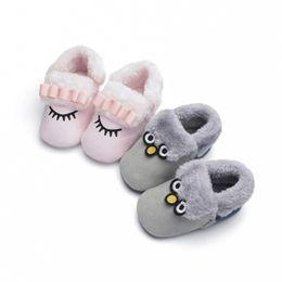 primeras zapatillas Rebajas Lindos y suaves niños bebés zapatos infantiles de invierno cálido zapatillas prewalker niños pequeños zapatos de cuna primeros caminantes Y13