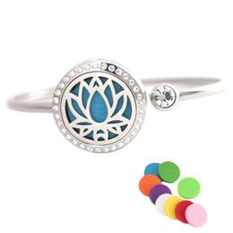 25mm fleurs d'eau en acier inoxydable aromathérapie médaillon bracelet bracelet essentiel huile diffuseur médaillon bracelet avec 10pcs coussinets en feutre ? partir de fabricateur