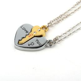 Coppie rotte del cuore pendente online-2pcs collane chiave del pendente placcate nastro europeo per le coppie dell'amante delle coppie monili rotti il regalo San Valentino della collana del cuore N1362