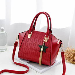 Wholesale united wings - Tassel Messenger bag leather bag wings package Europe and the United States fashion leather handbag shoulder bag