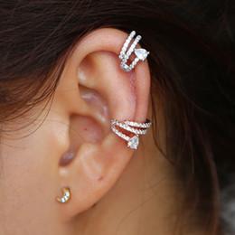 Vente chaude style coréen torsadé plaqué zircon cubique non percé manchette oreille Helix oreille clip cartilage boucle d'oreille pour les femmes filles cadeau ? partir de fabricateur