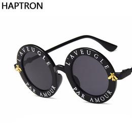 cf9c3da8cfe228 Petite Abeille Lunettes De Soleil De Luxe Femmes   Hommes Marque Designer  Lunettes Dame Lunettes De Soleil Rondes Hip Hop Style Oculos De Sol Gafas