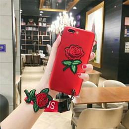 Peinture métallique rouge en Ligne-cas de téléphone de broderie de luxe pour goophone oppo r9 plus f1plus a59 f1s a71 a77 a39 cas Peinture métallisée tpu rouge rose fleur couvrir