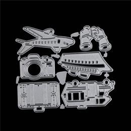 Morire il kit online-Metallo Taglio Muore Earth Aircraft Camera Bag Kit da viaggio aereo Stencil auto fai da te Album di carta album di carta Craft decorazione in rilievo