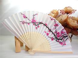 favores de la rosa azul Rebajas Envío libre de DHL 100 unids / lote flor de cerezo mano de seda del ventilador del favor de la boda flor de ciruelo mano ventilador plegable wintersweet