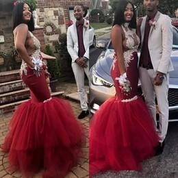 Vestido vermelho escuro halter on-line-Sexy Dark Red Prom Vestidos 2019 Saudita halter sem encosto Africano Ilusão Rendas Apliques Sereia Vestidos de Noite Backless Tulle Longo Vestido de Festa