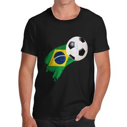 Uomini di tazza brasiliana online-T-Shirt Twisted Envy Brazil Football Flag Paint Splat da uomo