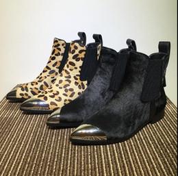 leopardo impressão flats apontou dedo Desconto 2017 outono inverno novo couro real estampa de leopardo cabelo curto botas femininas de salto plano de metal dedos apontados moda Martin ankle boots