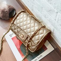 2019 bolsas de asas de lentejuelas de oro Nueva moda para hombres y mujeres, pequeña fragancia, bolso de cuero, bolso, diseño clásico, marca Messenger bag star con el mismo párrafo luxur